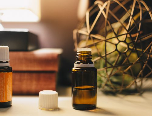 The Many Benefits and Uses of Essential Oils